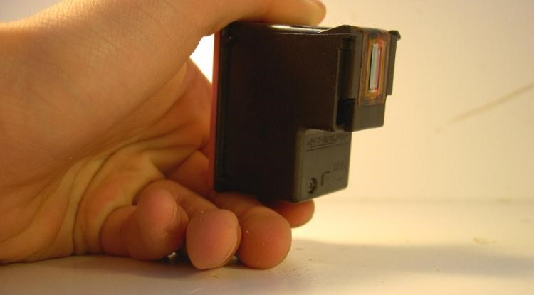 Niektoré tlačiarne míňajú farebný toner aj na čiernobielu tlač