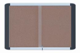 Vitrína, interiérová, korková zadná časť, 107x82 cm (15xA4)
